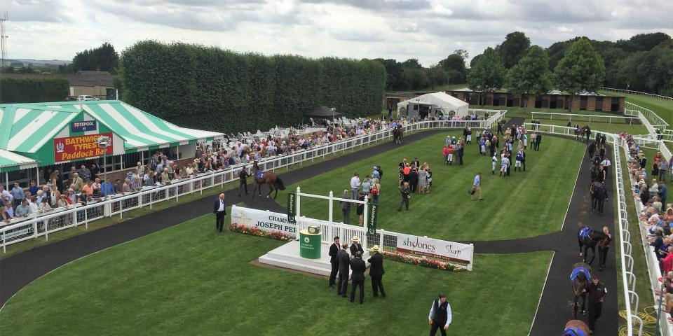 Salisbury Parade Ring